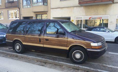 Foto Auto mit skeuomorpher Karosserie